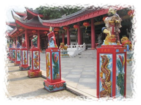 Sam Poo Kong - Statues
